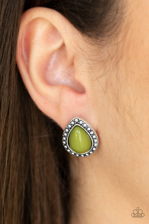 PAPARAZZI BOLDLY BEADED - GREEN Earrings - Glitzygals5dollarbling Paparazzi Boutique