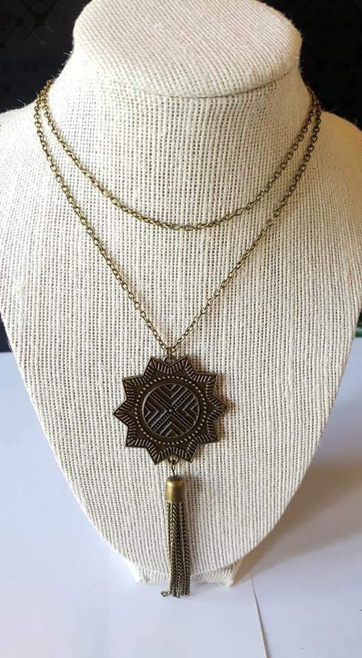 Paparazzi From Sunup To Sundown - Brass Sunburst Pendant - Necklace and matching Earrings - Exclusive