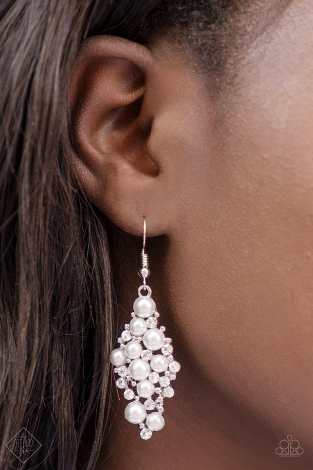 Paparazzi Famous Fashion White Earrings Fashion Fix - Glitzygals5dollarbling Paparazzi Boutique