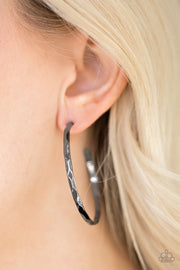 Paparazzi Geo Edge - Black - Hammered Gunmetal Hoop - Earrings - Glitzygals5dollarbling Paparazzi Boutique