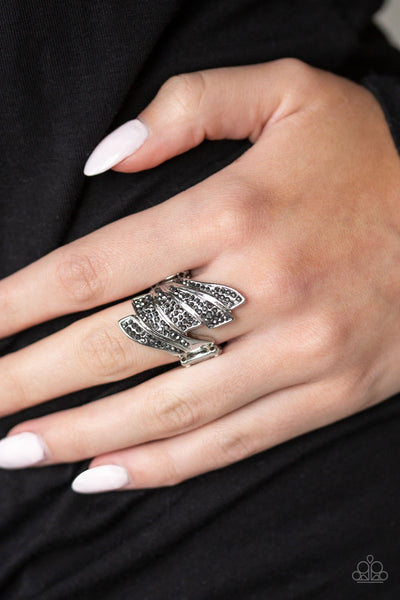 Paparazzi  Majestically Monte Carlo - Silver Ring - Glitzygals5dollarbling Paparazzi Boutique