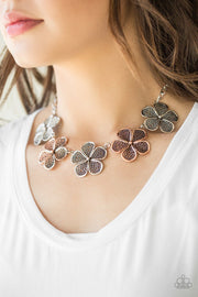Paparazzi No Common Daisy Mixed Metal Multi  Floral Necklace - Glitzygals5dollarbling Paparazzi Boutique