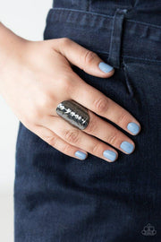 Paparazzi Ring ~ Retro Ripple - Black