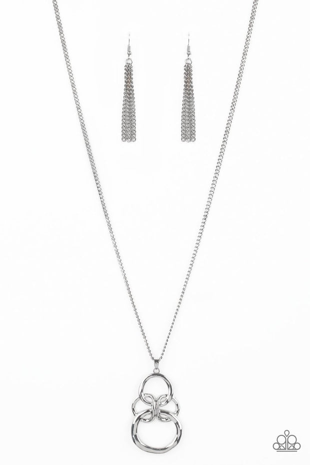Courageous Contour - silver - Paparazzi necklace