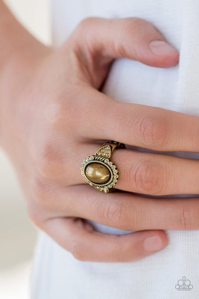 Pearl Party - brass - Paparazzi ring - Glitzygals5dollarbling Paparazzi Boutique