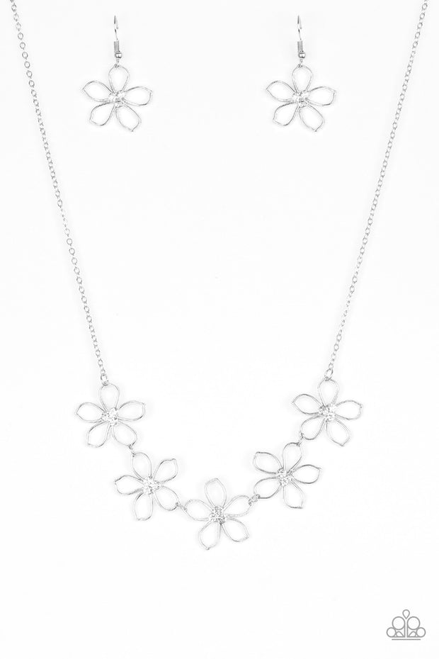 Hoppin' Hibiscus Necklace White Paparazzi - Glitzygals5dollarbling Paparazzi Boutique