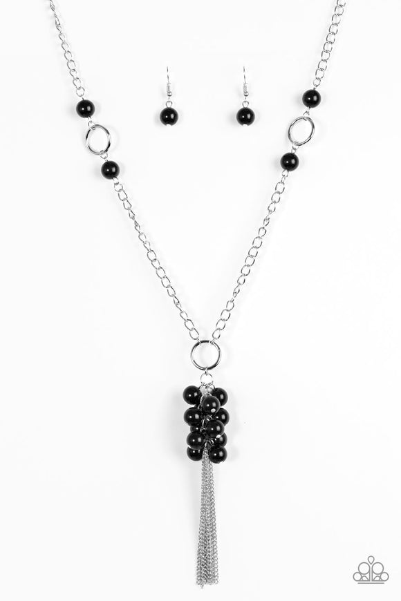 Paparazzi Hit the Runway Black Necklace