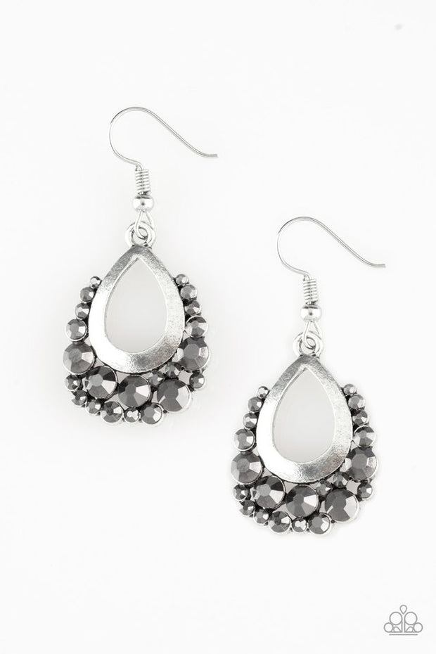 "Paparazzi ""Table for Two"" Silver Earrings - Glitzygals5dollarbling Paparazzi Boutique"