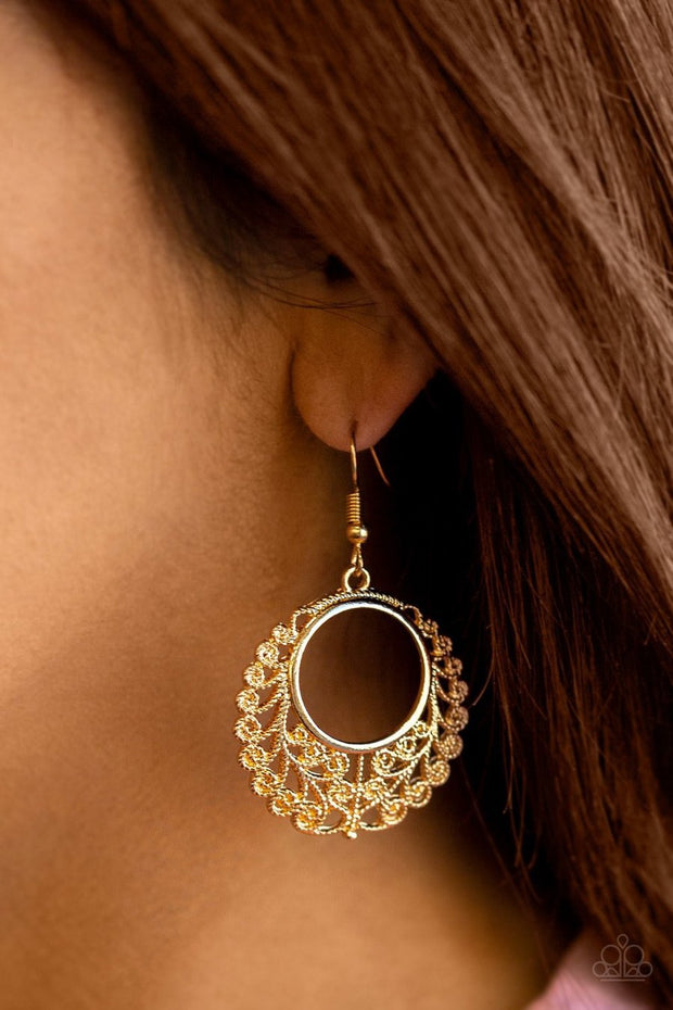 Grapevine Glamorous - gold - Paparazzi earrings