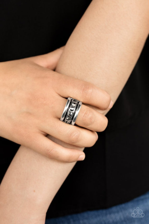 Dauntless Shine - silver - Paparazzi ring