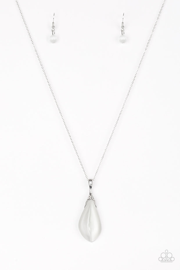 Paparazzi Friends in GLOW Places White Moonstone Necklace - Glitzygals5dollarbling Paparazzi Boutique