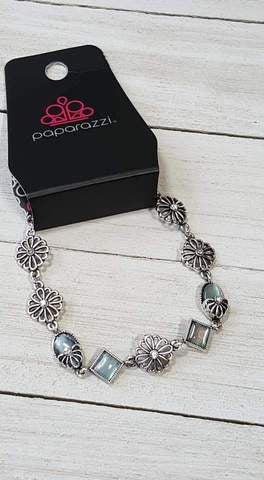 Paparazzi I'll be BOUQUET Blue Exclusive Bracelet - Glitzygals5dollarbling Paparazzi Boutique