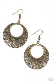 Paparazzi Floral Frontier - Brass Earrings - Glitzygals5dollarbling Paparazzi Boutique