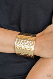 "Paparazzi ""Wonderfully Wonder Woman"" Gold Cuff Bracelet - Glitzygals5dollarbling Paparazzi Boutique"