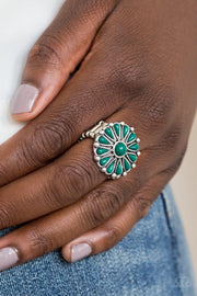 Poppy POP-tastic - green - Paparazzi ring - Glitzygals5dollarbling Paparazzi Boutique