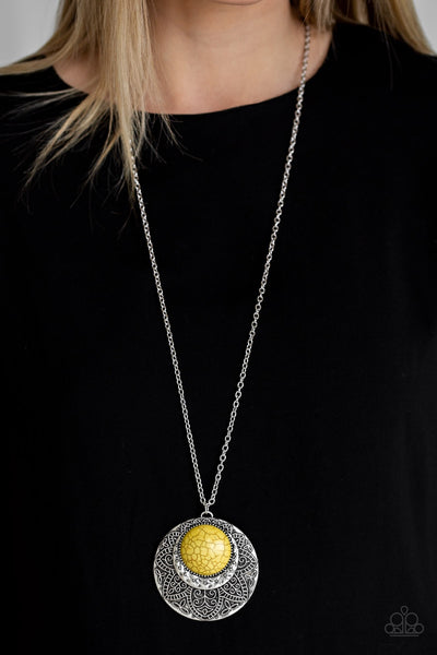 Paparazzi Medallion Meadow Yellow Necklace - Glitzygals5dollarbling Paparazzi Boutique