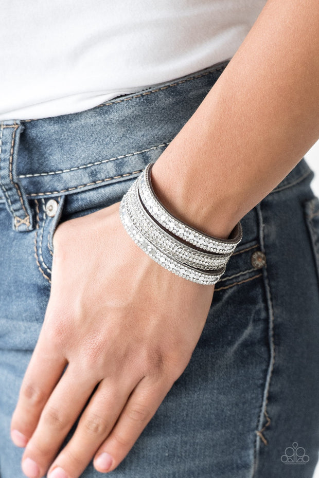 "Paparazzi ""Fashion Fanatic"" Silver Urban Bracelet - Glitzygals5dollarbling Paparazzi Boutique"