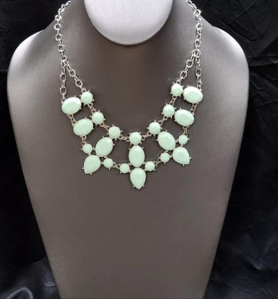 Paparazzi Goddess Glow Green Exclusive Necklace - Glitzygals5dollarbling Paparazzi Boutique