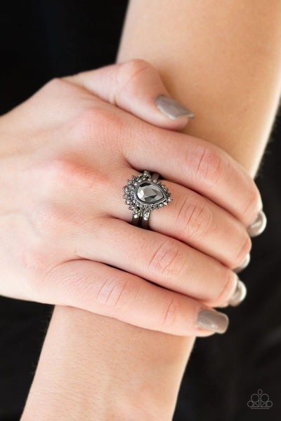 Till QUEENDOM Come - black - Paparazzi ring - Glitzygals5dollarbling Paparazzi Boutique