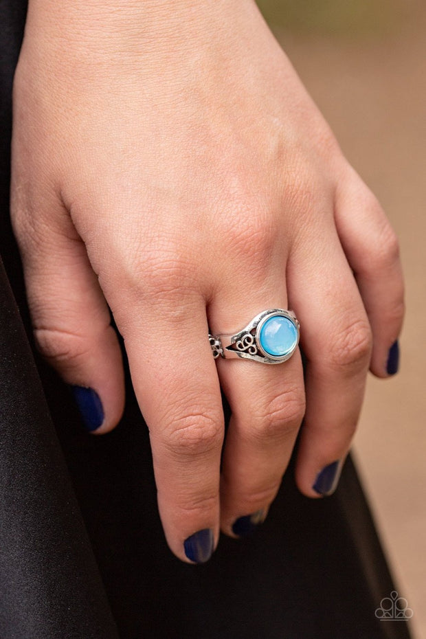 It Just Goes to GLOW - blue - Paparazzi ring