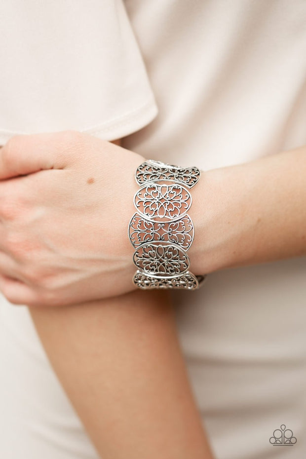 Paparazzi Fancy Fashionista - Silver - Filigree Bracelet - Stretchy Band - Gorgeous! - Glitzygals5dollarbling Paparazzi Boutique