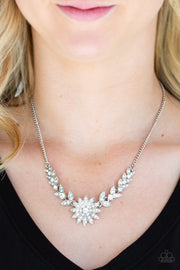 "Paparazzi ""Garden Glamour"" White Necklace - Glitzygals5dollarbling Paparazzi Boutique"