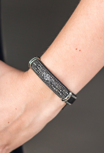 Paparazzi A Walk In The SPARK Black Urban Bracelet - Glitzygals5dollarbling Paparazzi Boutique