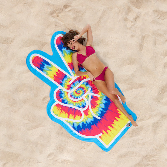 BigMouth Gigantic Peace Fingers Beach Blanket | Cookie Jar - Home of the Coolest Gifts, Toys & Collectables