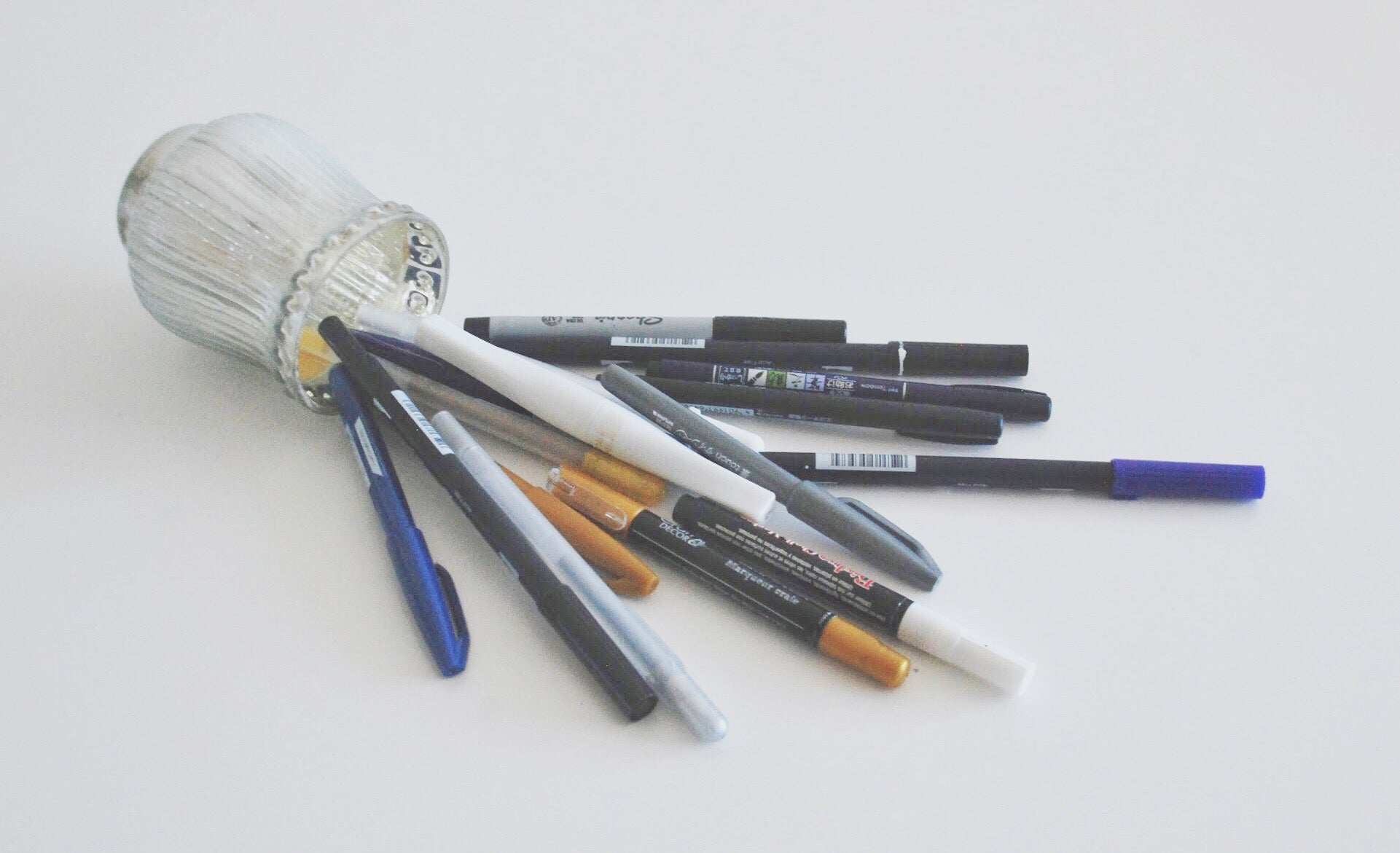 calligraphy pens, jelly rolls, brush markers   5 things you need: craft edition   Thoughtfully Handmade
