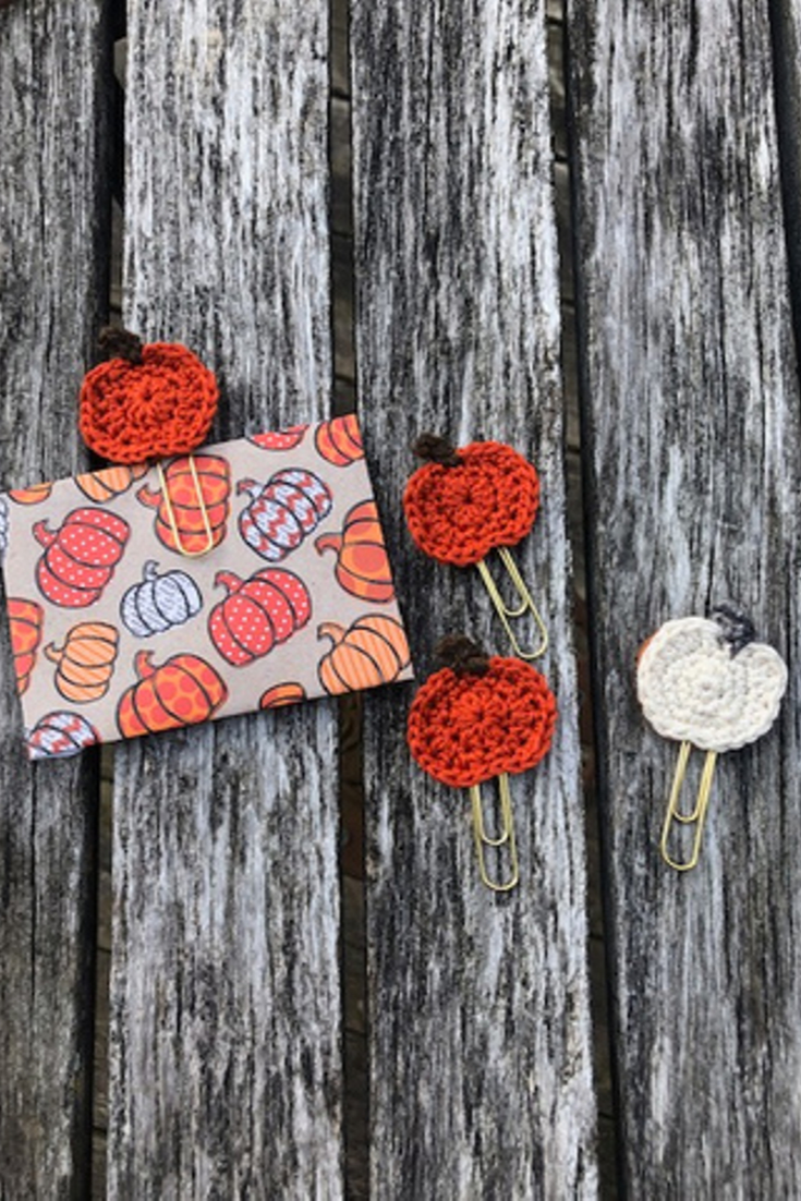 Hugs An Stitches | handmade crochet-wear and accessories | 5 Things to Give: Fall Lover Edition | Thoughtfully Handmade