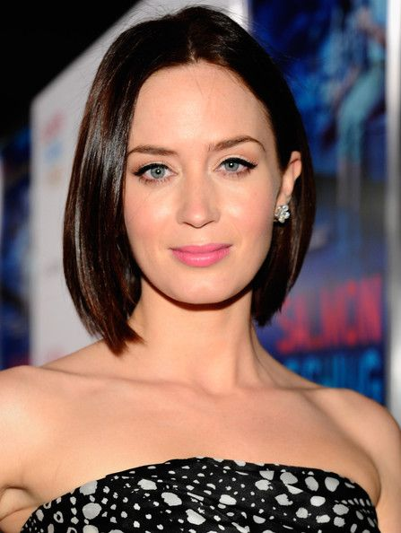 Emily Blunt Long Bob Oval Face Shape