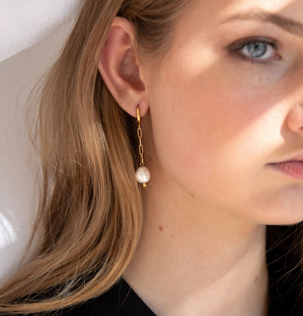 Alina Gold Chain Pearl Earrings