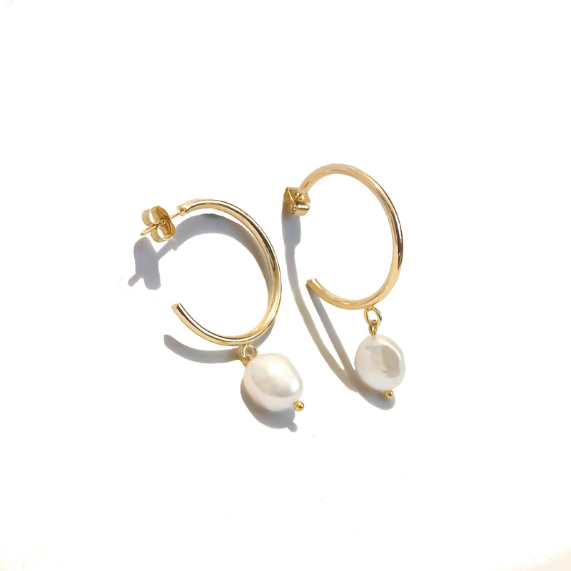 Pearl Hoop Earrings | 18K Gold Alissa Earrings