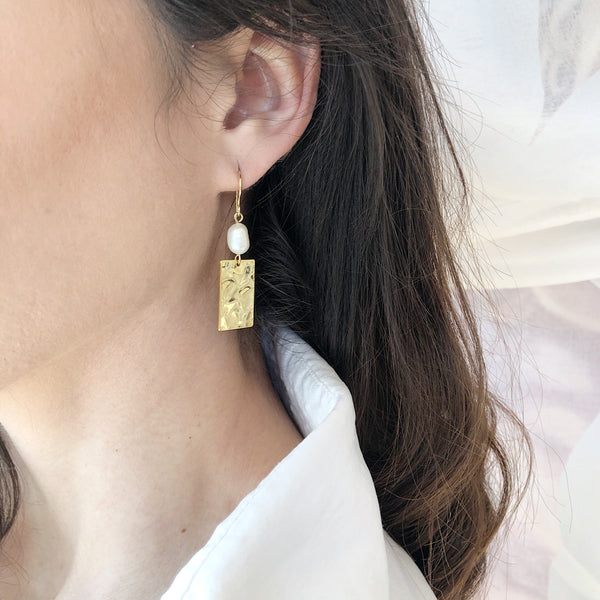 Gold Pearl Earrings | 18K Gold Allia Earrings