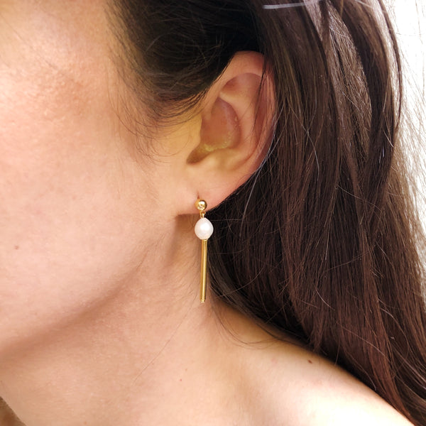 Drop Earrings | 24K Gold and Pearl Alloway Earrings