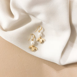 Hook Earrings | 18k Gold Arianna Earrings in Pearl