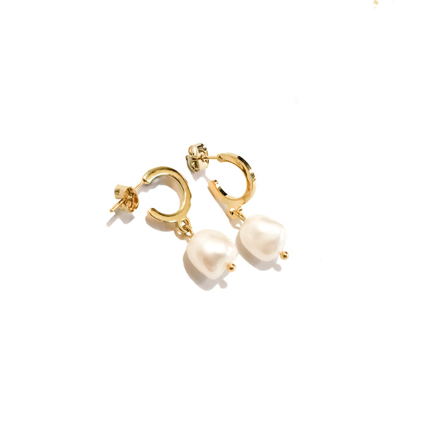 Pearl Hoop Earrings | 24K Gold Axel Earrings