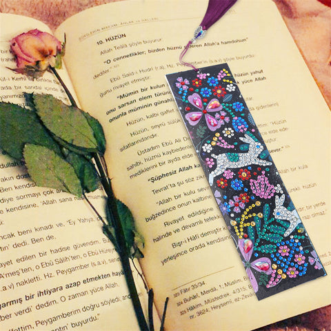 Happy Rabbit - Diamond Painting Bookmark