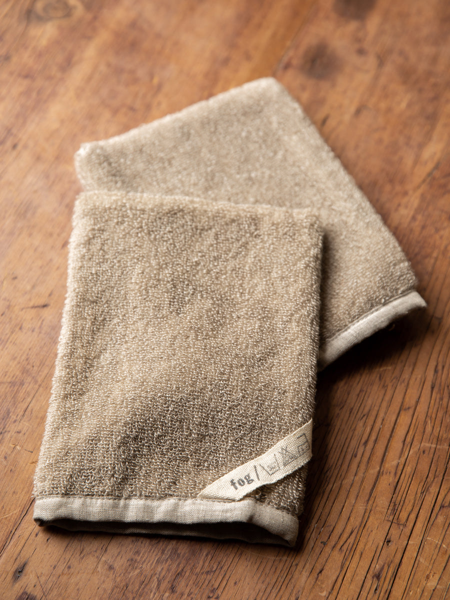 Looped Linen Hand Mitt
