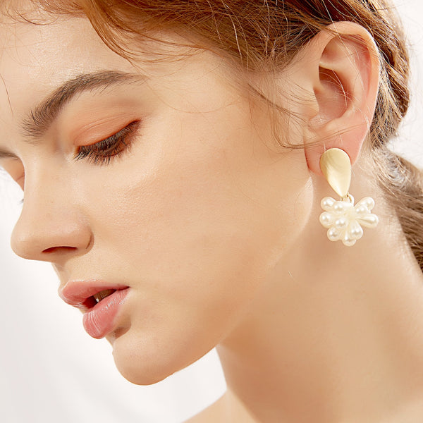 Pearl Flower Curve Earrings