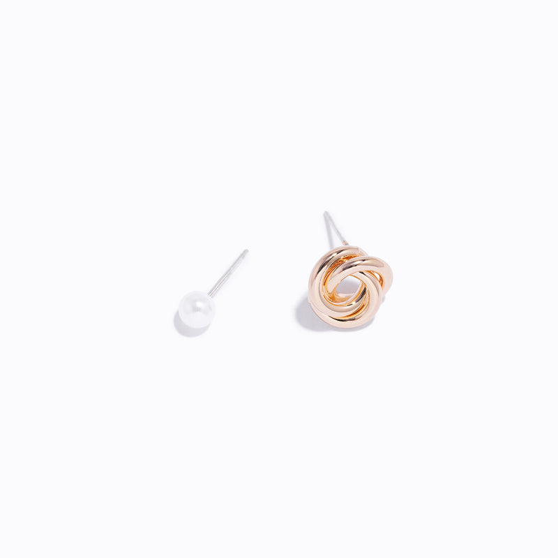 Gold-tone Knot & Pearl Earring