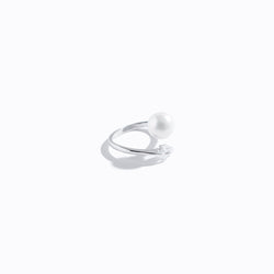 Single Pearl & Heart CZ Ring