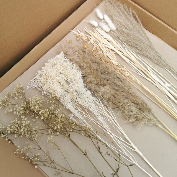 The 'Au Naturel' DIY dried flower arrangment | includes fluffy pampas