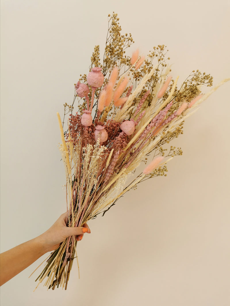 The 'Delilah' (Medium) Dried Flower arrangement 🌸