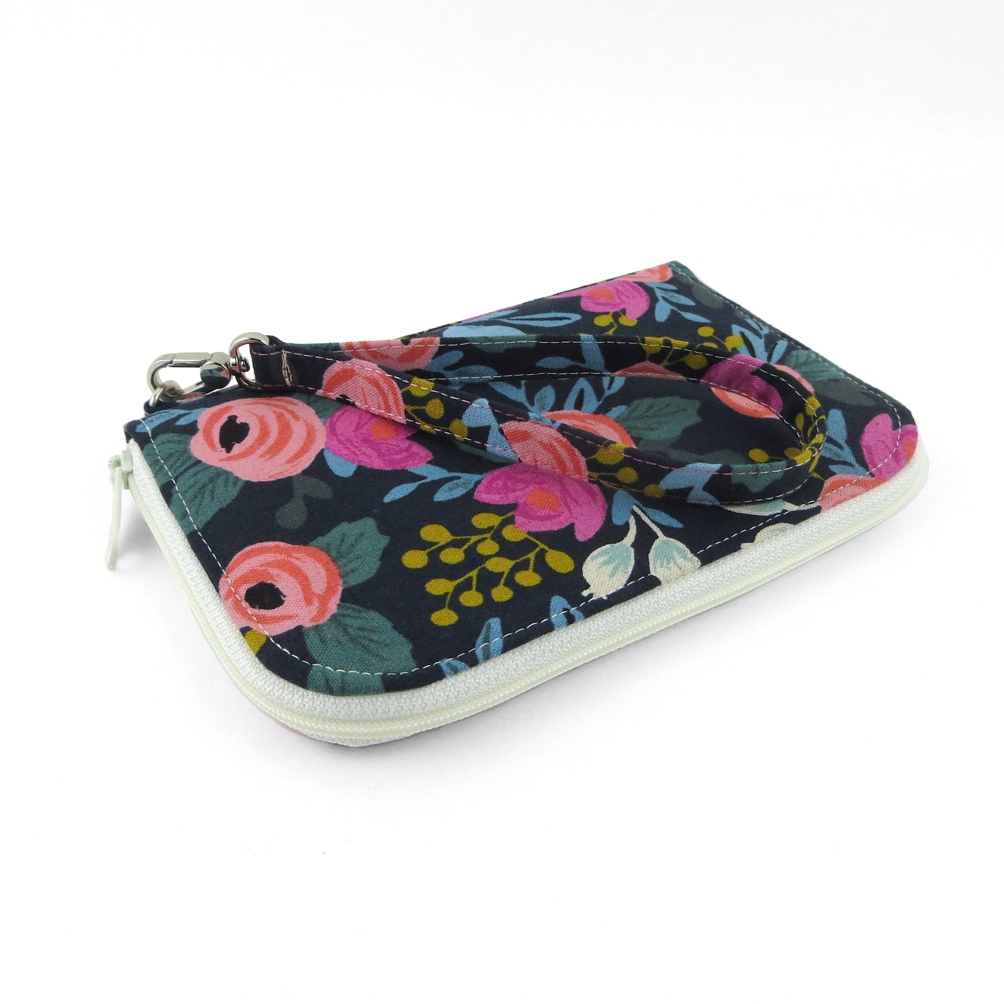 Zip Around Town Wallet Sewing Pattern – dogundermydesk