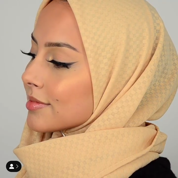 Simple Hijab Tutorial Online by Laila Tahri