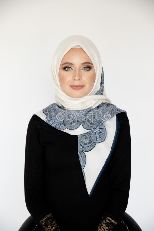 Noaa Square Hijab