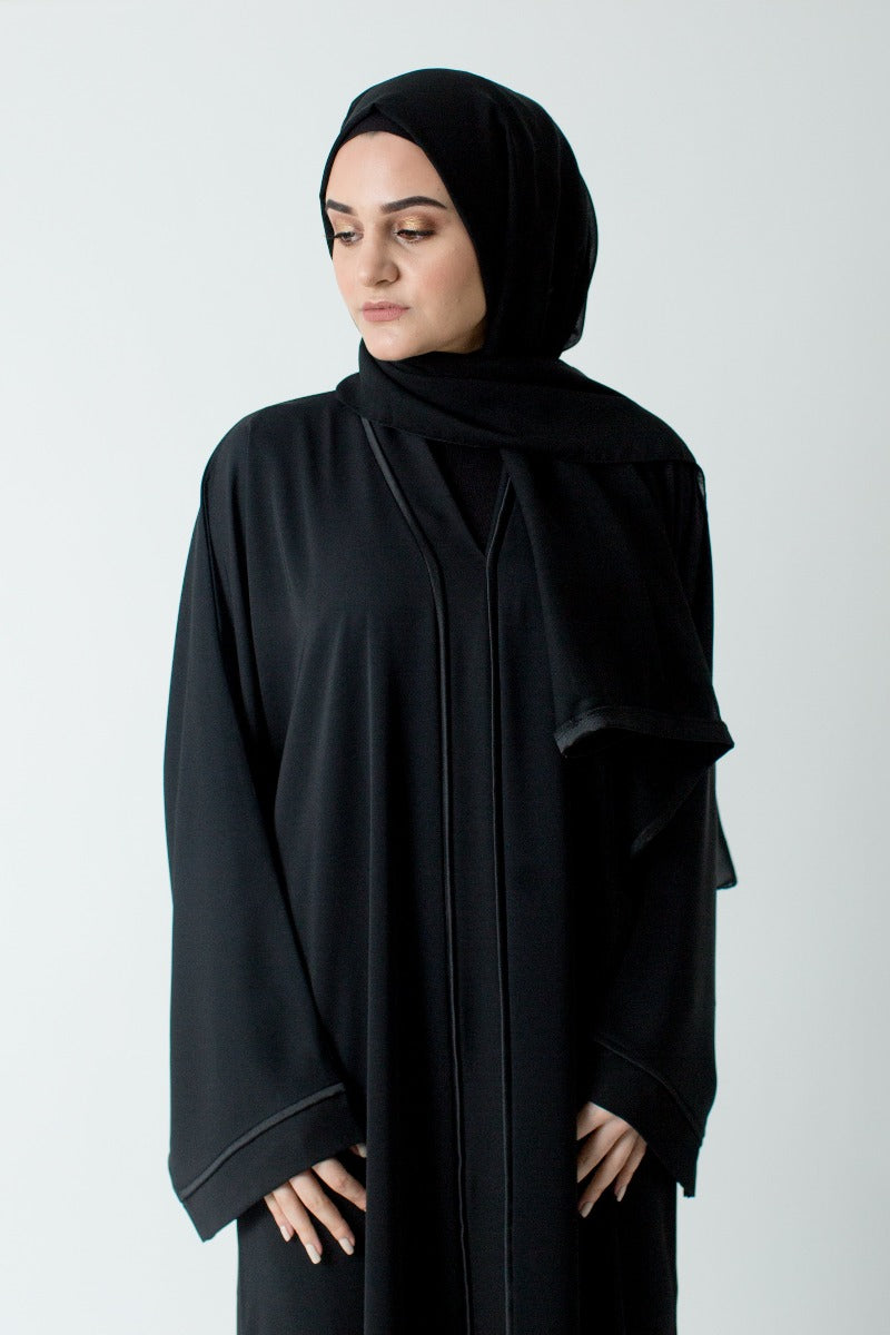 Black Border Closed Abaya