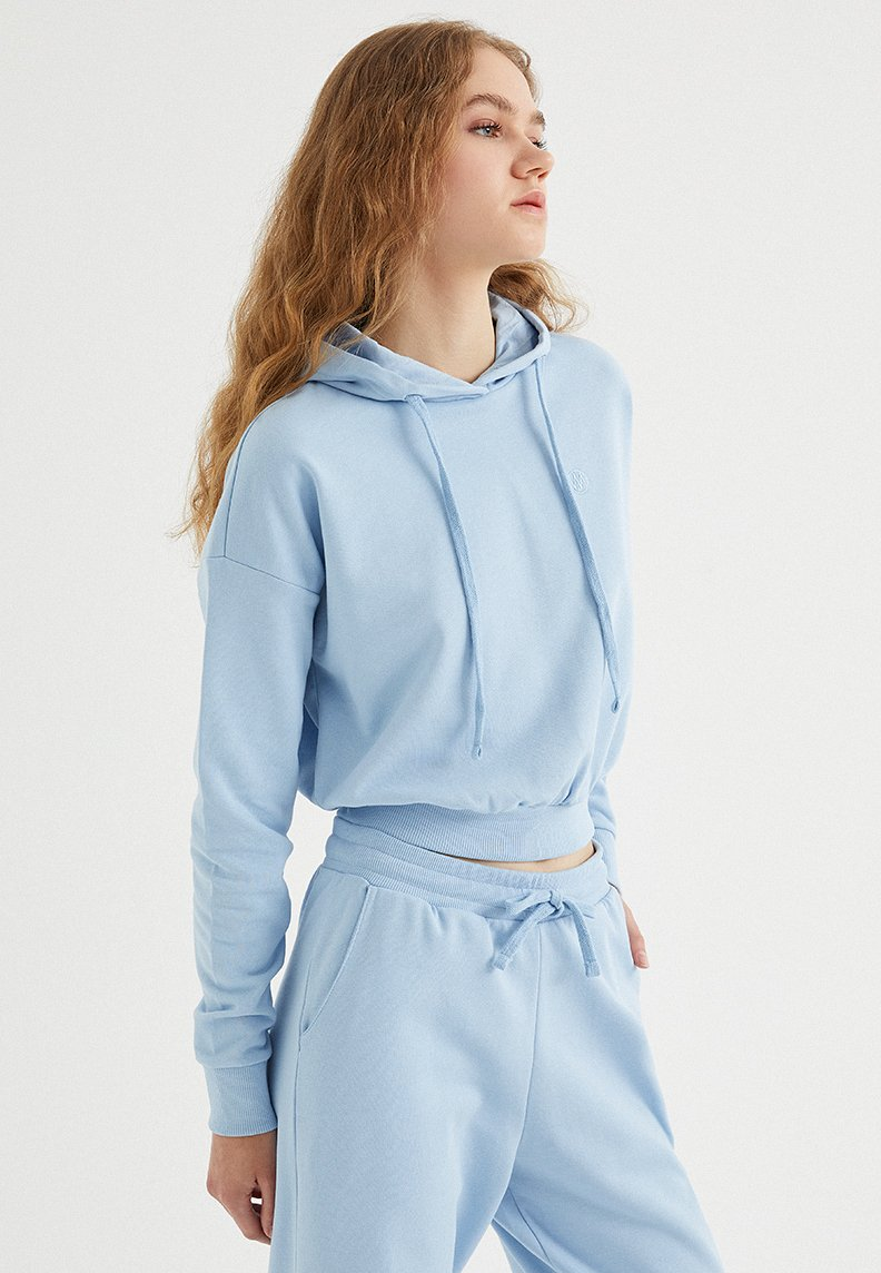 ENJOY CROPPED HOODIE in Powder Blue
