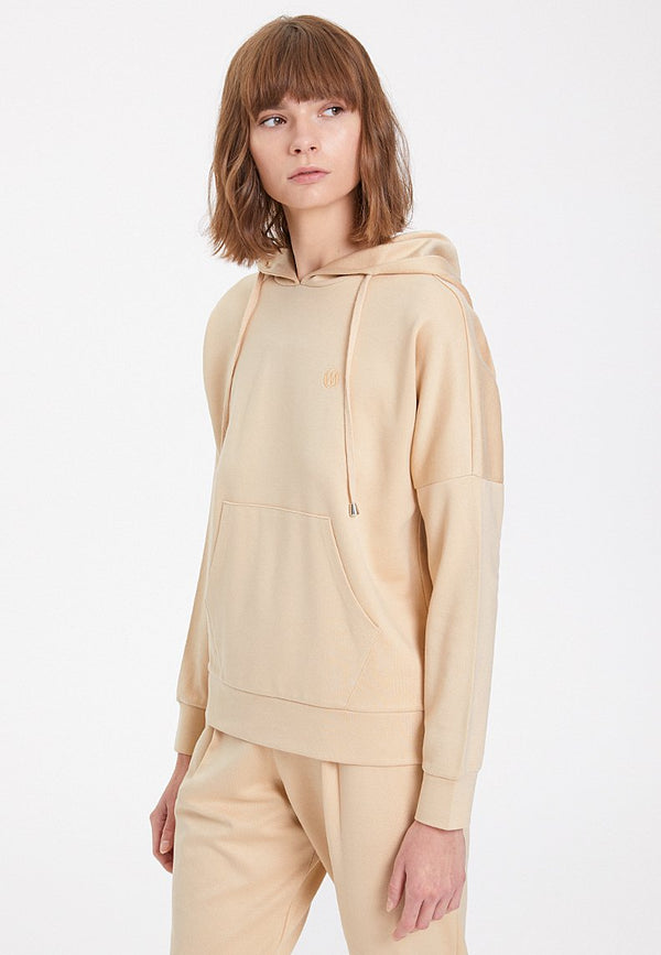 ESSENTIALS RELAXED HOODIE in Semolina